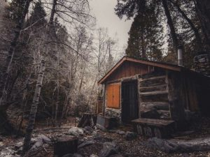 How to build an off grid cabin for free